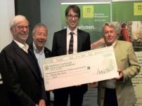 Partner Kiwanis Club Bozen übergibt Spendenscheck